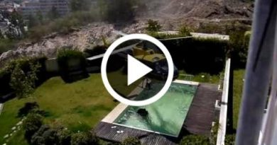 Amazing Helicopter Pilot Taking Water From Swimming Pool