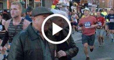 New Yorkers Trying To Cross The Street During The Nyc Marathon