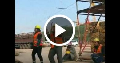 Amazing Construction Worker Dance
